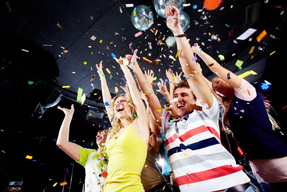 party-cluburi-baluri-boboci-aniversare-zile-nastere-onomastica-petrecere